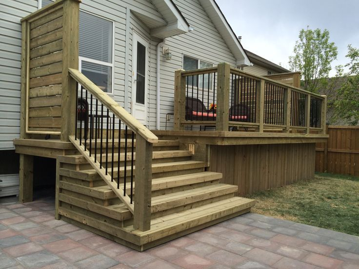Deck With Privacy Wall And Wide Stairs 2019