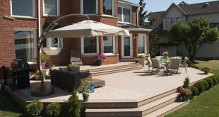 A low deck built by Hickory Dickory Decks using Veka deck.