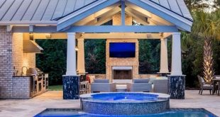 13+ Alluring Pool Deck Ideas for You and Your Family