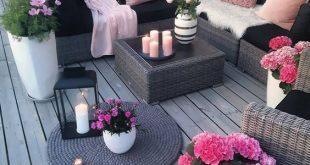 30 kleine gemütliche Balkon-Garten-Ideen, die Sie schauen sollten