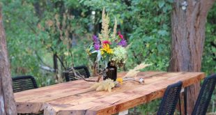 DIY - Gartentisch aus alten Holzbohlen selber bauen