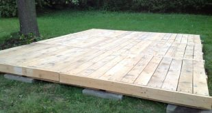 Deck from pallets; everything was saved: pallets, lumber and even nails. This c...